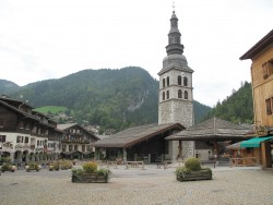 Eglise_Sainte-Foy_(la_Clusaz)