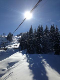 Off piste between Samoens and Morillon