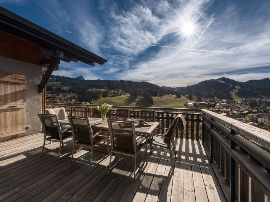 Dining balcony at Chalet 345
